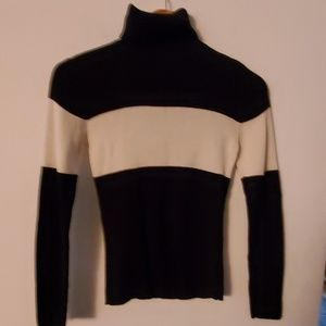 Style & Co Black/White Long Sleeve Sweater - S
